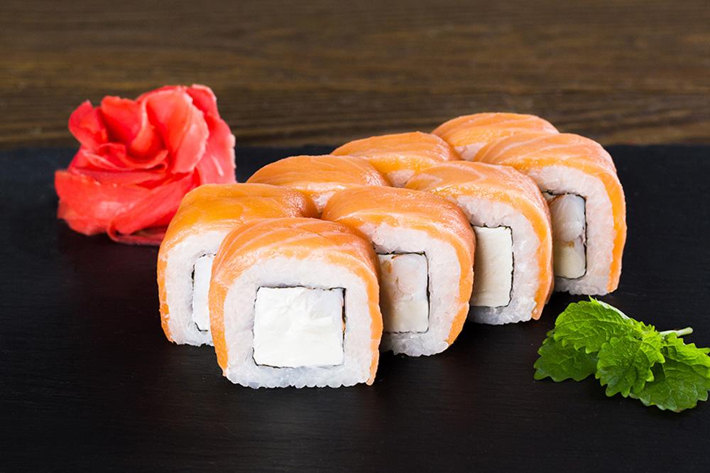 Какой сыр кладут в роллы и суши
