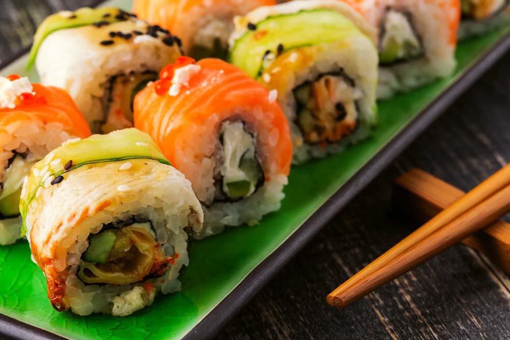 Почему суши и роллы так популярны во всем мире